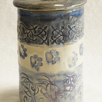 Stoneware pet treat handmade ceramic jar with lid TJ2