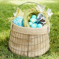 WIRE BASKET WITH BURLAP LINER