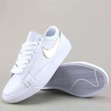 Wmns Nike Blazer Low Le Fashion Casual Low-Top Old Skool Shoes-3