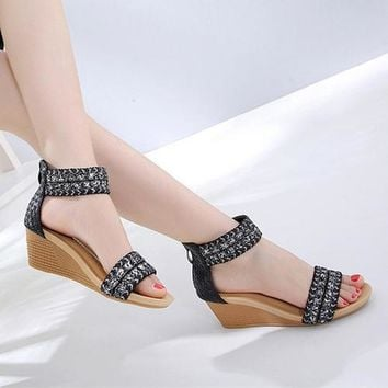 Fashion Women Sandals Size 35-42 Beach Shoes