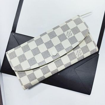 LV Louis Vuitton New Fashion High Quality Buckle And Zipper Women Leather Purse Leisure Wallet Purse White