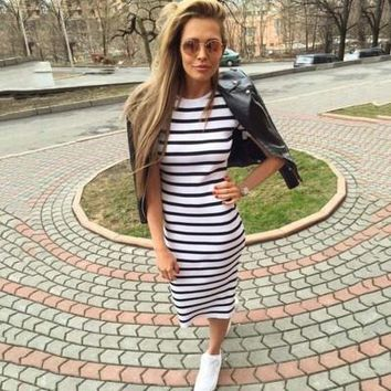 lady stripes loose Round Necked Short sleeve one-piece dress  a13870