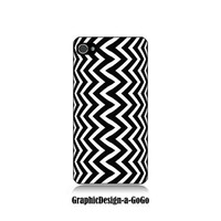 Iphone 4 case, Iphone 4s , Black and White Zig Zag, custom cell phone case, Original design
