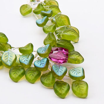 Green Statement Necklace, Flower Necklace, Bridal Jewelry, Nature Inspired Jewelry