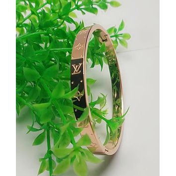 LV Popular In The World Women Men Simple Titanium Steel Bracelet Lovers Bracelet Jewelry Rose Golden