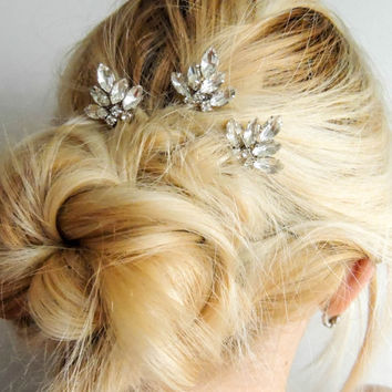 Set of 3/ Swarovski Crystal Hair Pins/ Hair Pins/ Bridal Hair Accessories/ Wedding Hair Accessories/ Bridal hair pin/Crystal pin set