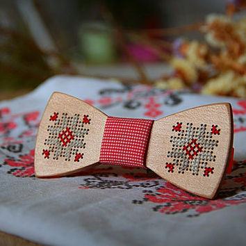 Wooden bow tie with hand embroidered Ukrainian motif. Wood bowtie with hand embroidery deer. 100% handcraft. Unique gift. hand stitching