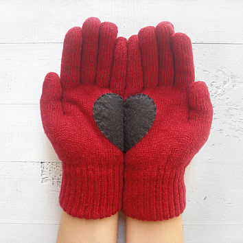 Christmas Gift, Heart Gloves, Burgundy Gloves, Deep Red, Cherry Gloves, Black Heart, Special Gift, Xmas Gift, Holiday Gift, Gift For Her