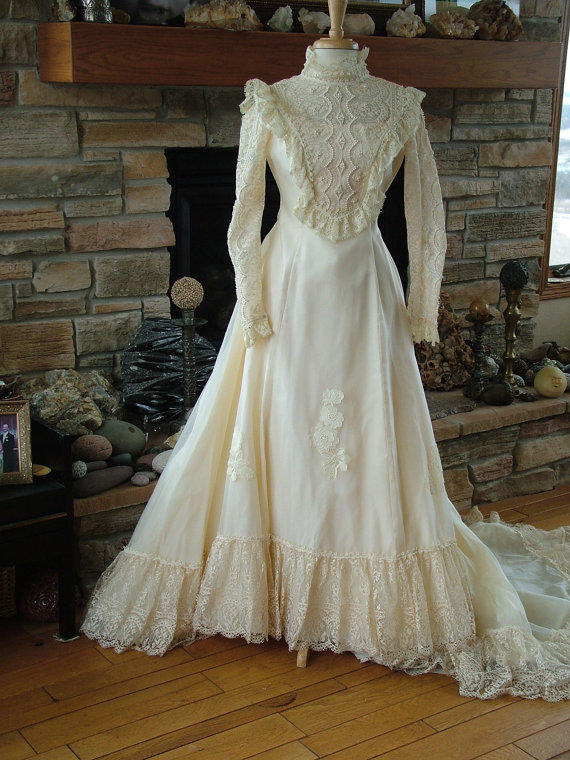 Wedding dress 1970s vintage bridal gown from for 1970s vintage wedding dresses