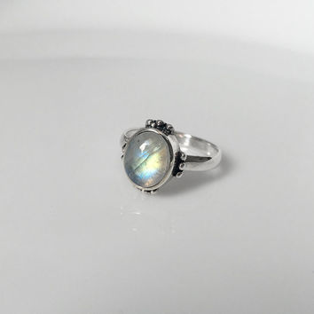 Moonstone Ring Silver, Rainbow moonstone ring, Silver moonstone ring, Statement Rings, Solid Silver Ring, Boho chic ring, moonstone jewelry