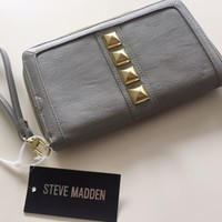 NWT Steve Madden Gray and Gold Zip Around Clutch Wallet
