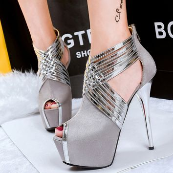 Super high fashion nightclub, thin, with thin, single shoes crossed with water table, fish mouth, women's shoes