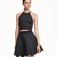 Short Top with Scalloped Edges - from H&M