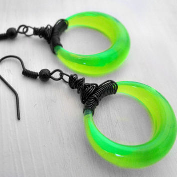 Neon Green Hoop Earrings Black Wire Earrings Post Apocalyptic Style Futuristic Earrings Blacklight Earrings Vintage Lucite Beads