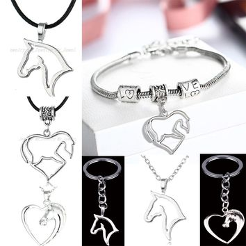 Fashion Horse Charm Bracelet Heart Pendant Chain Bracelets Friend Family Love Wedding Party Accessories Keychains Keyrings Gifts