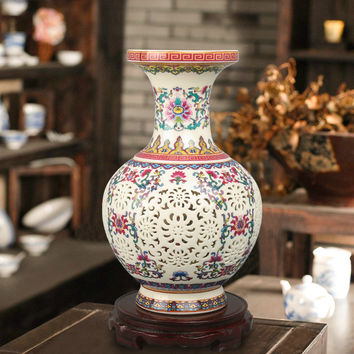 Luxury Chinese-style Palace Restoring Ancient Ways Jingdezhen Hollow White Ceramic Vase For Artificial Flower Decoration Vases