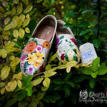 FOR SALE - Bouquet - Intricate - Partial - Painted Toms