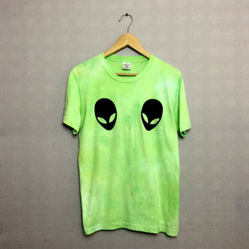 Green Tie Dye Alien T-shirt Hipster Indie Swag Dope Hype Black White Mens Womens Cute Summer Festival Halloween Space T-shirt
