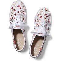 Taylor Swift's Champion Eyelet Berry