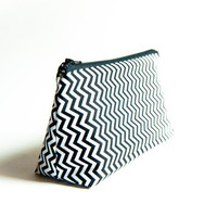 Handmade Cosmetic Pouch Clutch Bag Purse, bridesmaid clutch pouch in white black zigzag chevron