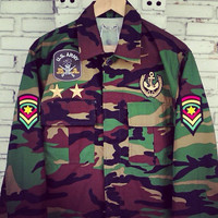Vintage Custom Patches Military Camouflage Jacket / DIY Patches Jacket Size: M