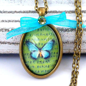Lovely necklace in bronze with butterfly on letter, antique necklace, turquoise necklace, oval chain necklace animal, insect chain