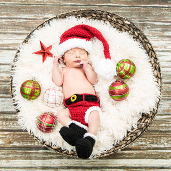 Crochet Santa Hat Diaper cover boots,Santa outfit, newborn photo prop, babys first christmas outfit, newborn, infant, toddler, made to order