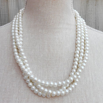 Ivory pearl necklace, great for Wedding, Bride, Bridal, Birthday gift, Christmas, Anniversary, Valentine, Mother day, Friends gift