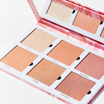 Violet Voss Rose Gold Highlighter Palette | Urban Outfitters