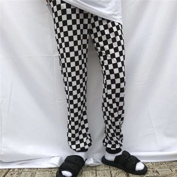 Hot Shorts Korean retro style black and white checkerboard  2017 new summer fashion street men and women INS AT_43_3