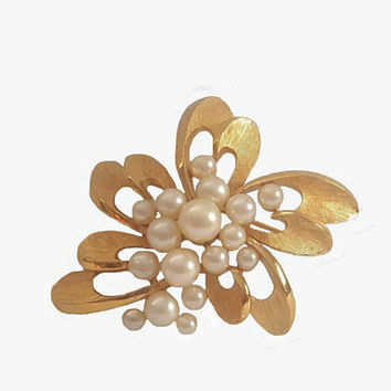 Vintage 1960s Crown Trifari Brooch Gold Tone with Faux Pearls Floral Design - Jewels by Crown Trifari - Sold With Vintage Trifari Box