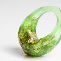lime green eye pointy size 8.5 eco resin ring with soft facets