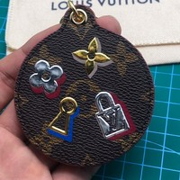 Louis Vuitton Lv Love Lock Monogram Bag Charm And Key Holder M67437 - Best Online Sale