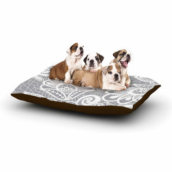 """Petit Griffin """"Lace Flower"""" Gray White Dog Bed"""