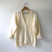 20% OFF SALE...Vintage Cream Button Up Cardigan. Mohair Wool Sweater. Preppy Sweater Cardigan