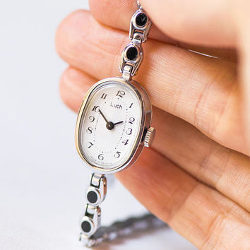 Oval watch bracelet Ray, silver shade lady's watch simple, small wrist watch ornamented bracelet, cocktail watch woman gift, tiny watch her
