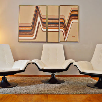 Mid Century Decorian Swivel Tulip Base Lounge Chair, Star Trek Style