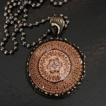 RUSTIC BOHO HIPPIE GYPSY TRIBAL MANDALA FLOWER PENDANT NECKLACE JEWELRY