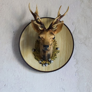 Vintage 1970 Faux Taxidermy Decorative Deer Plate