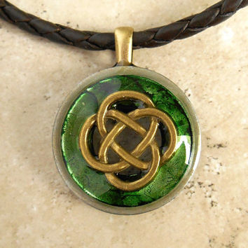 Celtic Knot Necklace: Green - Mens Jewelry - Mens Necklace - Celtic Jewelry - Boyfriend Gift - Leather Cord - Irish Jewelry - Fathers Day
