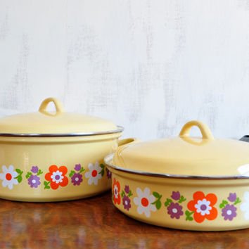 Vintage Flower Power Enamel Cookware, Yellow Floral Design, Lidded Stock Pot and Frying Pan
