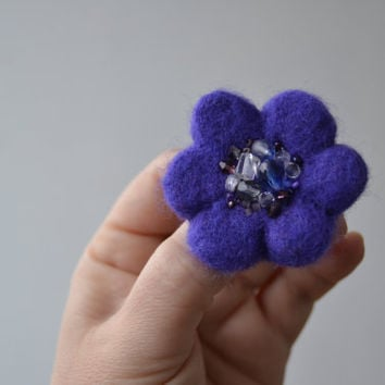 Purple Little Needle Felted Brooch Wool Felt Flower, Small Felt Flower Pin, Purple Flower Brooch, Felted Flower,Corsage Brooch,Woolen Brooch