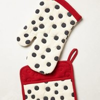 Polka Dotted Potholder by Anthropologie in Grey Size: