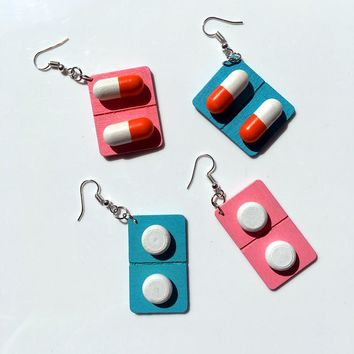 Fashion cute creative wooden capsule drop earrings funny lovely pills medicine Dangle Earrings Unique  jewelry gift for girl