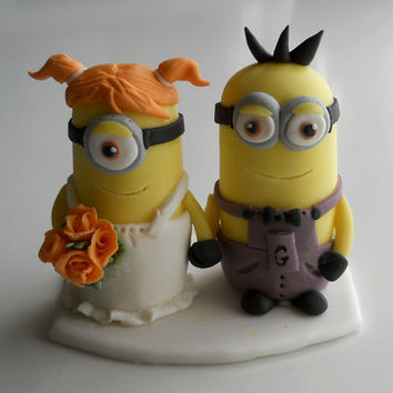 Minion wedding couple cake topper