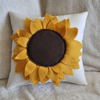 $28.00 Sunflower Pillow by bedbuggs on Etsy