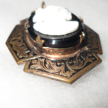 VINTAGE TAILLE D' EPARGNE Brass Detailed White on Black Glass Cameo Locket Pendant -  Circa 1930's Art Deco -