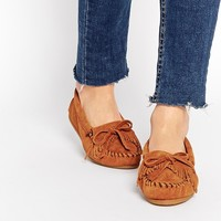 Minnetonka Suede Moccasin Flat Shoes