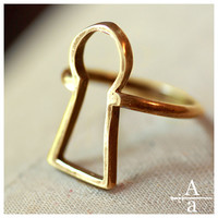 Brass keyhole ring by ArmsandArmory on Etsy