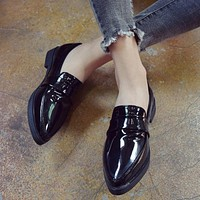 SUOJIALUN Women Flat Shoes Pointed Toe Slip on Woman Oxfords Flat Shoes PU Leather Loafers Female Casual Shoes Women Flats